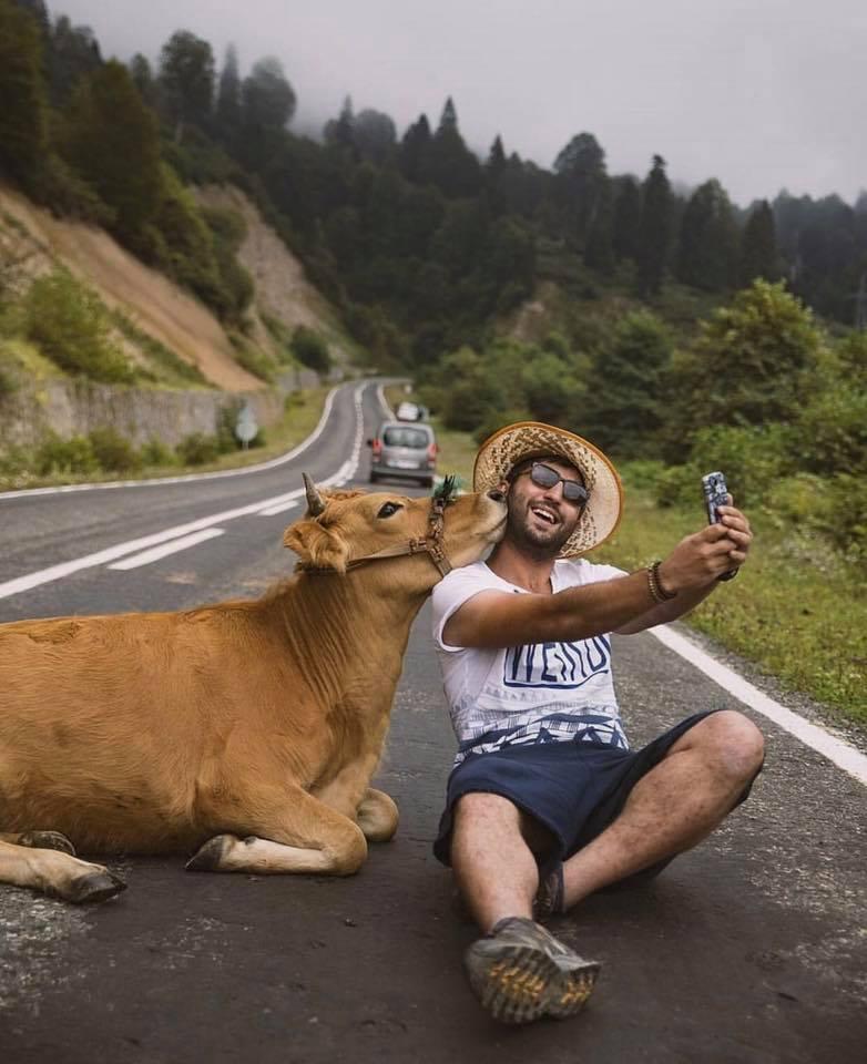 Extreme selfie?